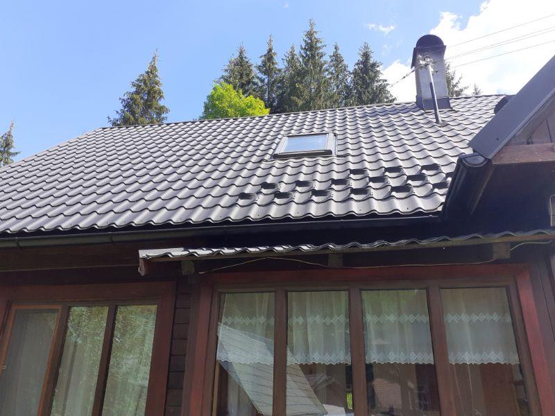 cserepeslemez tető tetőablak